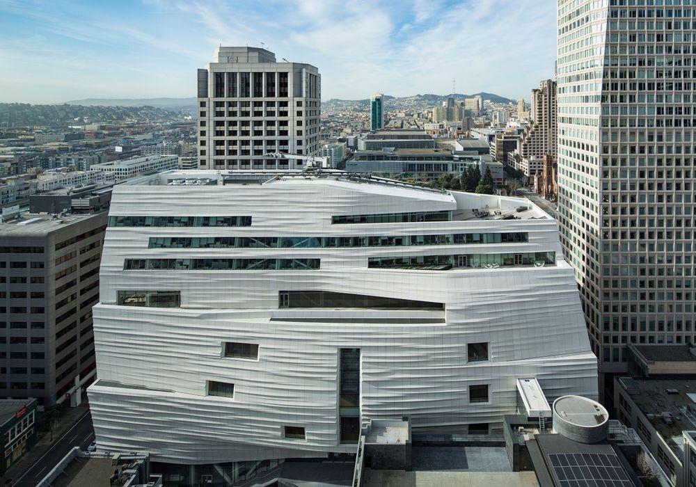 Kunstmuseet SF MOMA er tegnet av det norske arkitektkontoret Snøhetta.