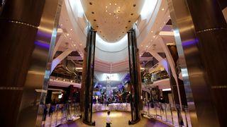 Verdens største cruiseskip la ut på jomfrutur