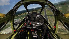 Detaljert cockpit.