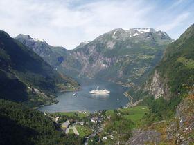 Geirangerfjorden fotografert fra Flydalsjuvet.