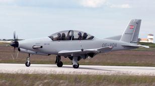 Diamond Aircrafts DART-450 flyr for første gang