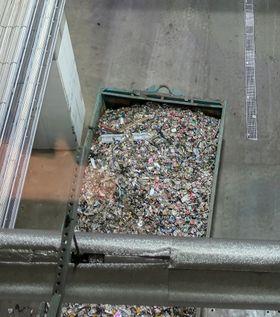 Metaller: Det importerte søppelet er på langt nær så rent som det lokale svenske. Her må mye sorteres ut. Opptil tre slike vognlass med metaller tas ut hver dag.