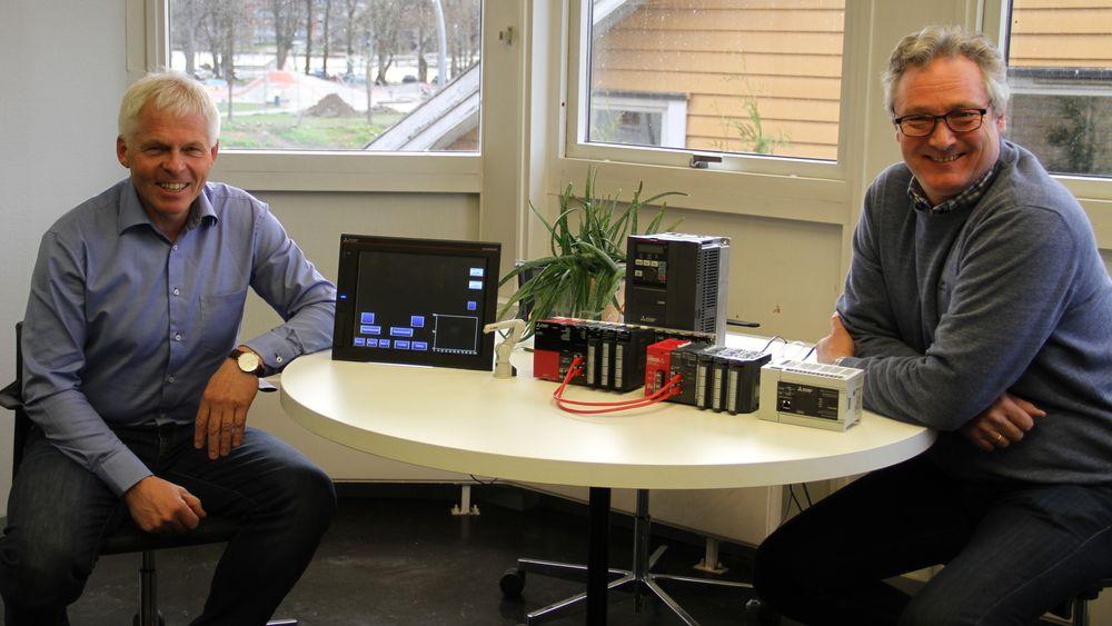 Fra venstre, Per Willy Skar, daglig leder i Mitsubishi Electric Europe B.v. Norway og Erling Rønold Aas, salgsansvarlig.