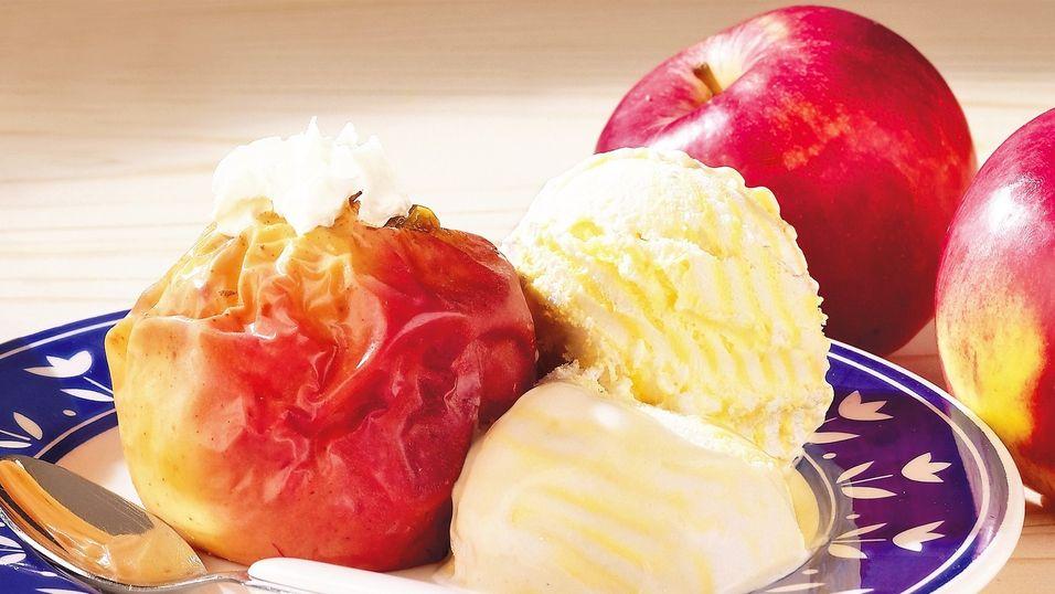 UKENS KAKE: Så enkelt kan du lage eplekake
