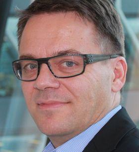 Broadnet-sjef Martin Lippert mener Nkom gjør en viktig jobb med å regulere Telenor, men er ikke like sikker på om han mener de lykkes, gitt Telenors høye markedsandeler.