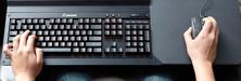 Corsairs geniale produkt lar deg bruke tastaturet og musen fra sofakroken