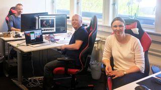 Fra dette lille kontoret har Linda, Roy og Tommy 4 millioner faste brukere