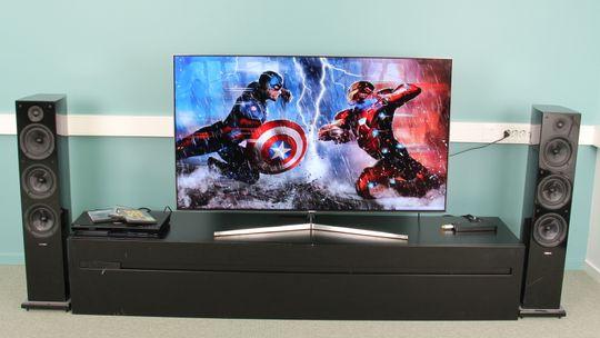 En TV-benk burde være omlag passelig høy. Denne er helt på grensen til det laveste du burde gå.
