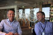 Administrerende direktør Haakon L. Bryhn (t.v.) og Oscar L. Olsen er glade for at de har beholdt kompetanse og videreutviklet produkter for treindustrien.