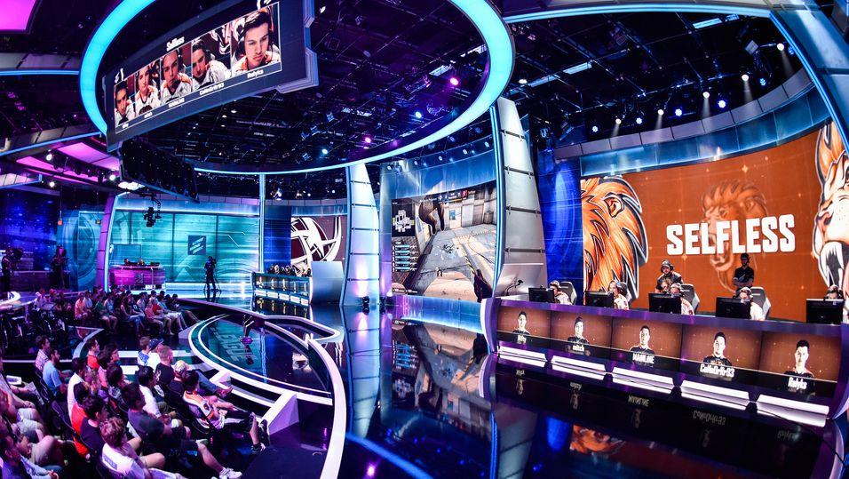 ELeague arrangeres i den nyoppussede arenaen State-of-the-Art studio i Atlanta.
