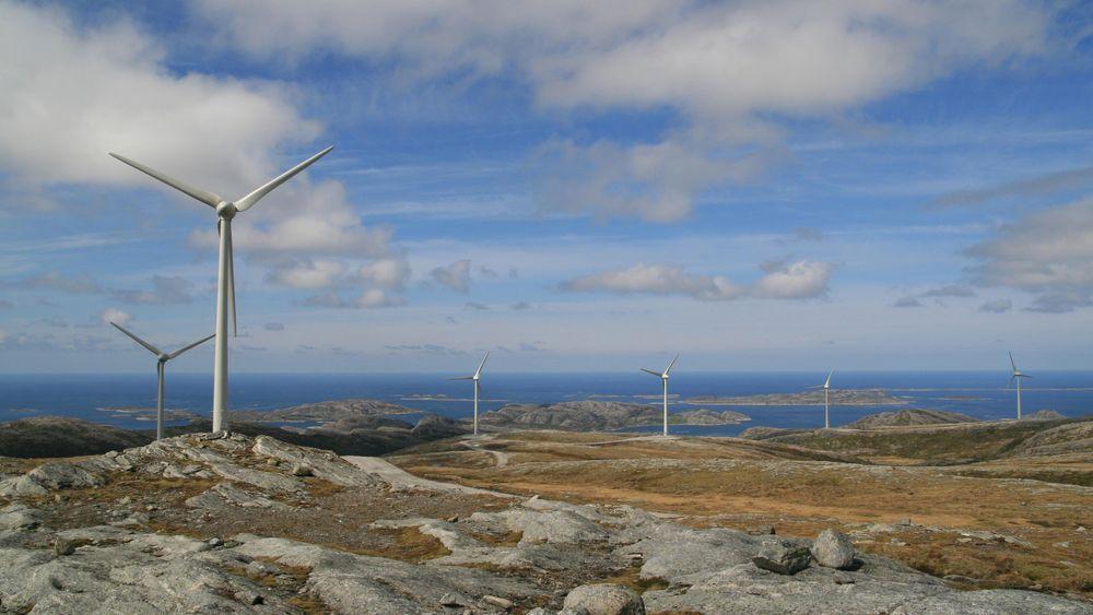 De seks nye vindparkene rundt Trondheimsfjorden åpner muligheten for et nytt sprang i automatiseringsgraden av vindkraftanlegg. Dette er fra vindparken på Bessakerfjellet. Foto: Statkraft