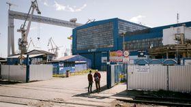 Her, på Crist-verftet i Gdynia i Polen, avslørte Vice-reporterne at det benyttes nordkoreanske tvangsarbeidere. Statoils Johan Sverdrup-prosjekt får deler av sitt boligkvarter fra offshoreavdelingen til den polske verftsgiganten.