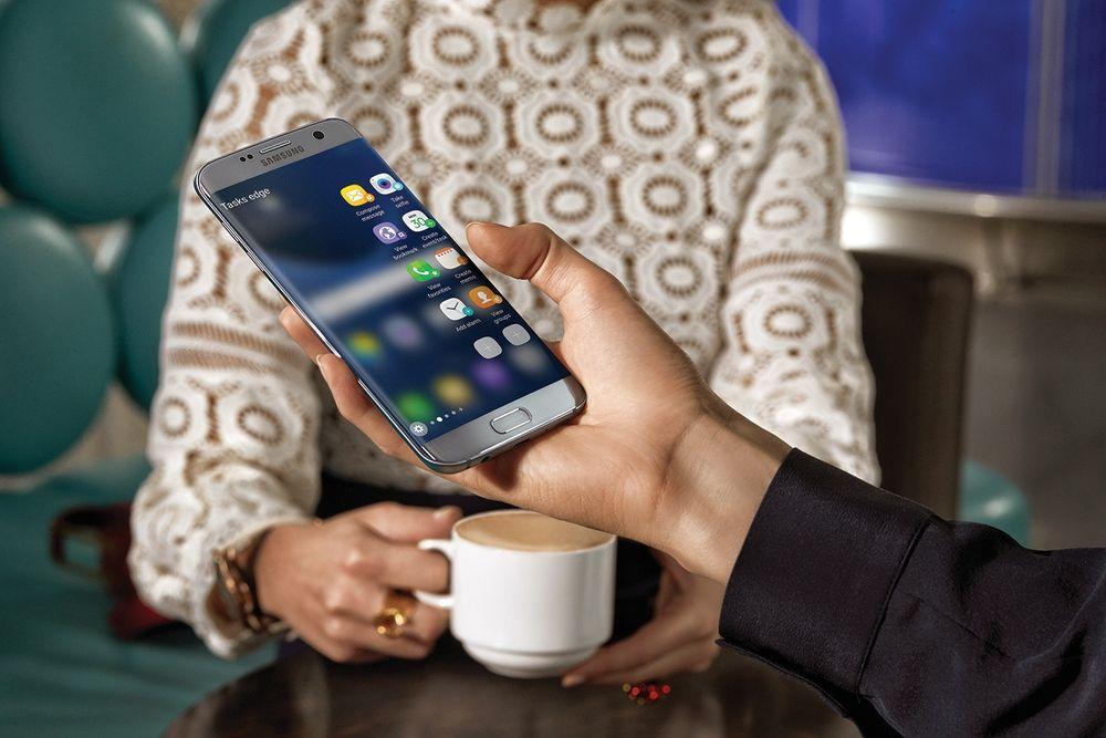 Salget av blant annet Samsung Galaxy S7 Edge bidrar til økt overskudd for Samsung.