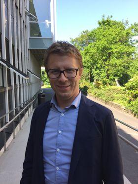 Kristian F. L. Amlie driver Norsk institutt for samkjøring (NIFS). Han har solgt bilen sin, og baserer seg på samkjøring og naboleie.