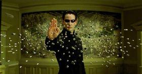 The Matrix er antageligvis den mest kjente moderne fiksjonsfortellingen om dette.