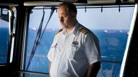 Kaptein Gus Andersson er konsentrert. Han har ansvar for verdens største cruiseskip.