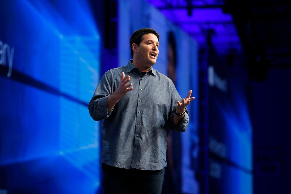 Microsoft lover å satse på Windows Mobile i årevis