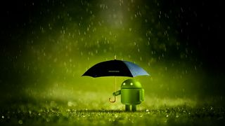 Android-maskoten med paraply i regnvær.