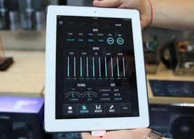 Cooler Masters strømforsyning kan styres gjennom en app. Her kan du holde et øye med strømforbruket og eksempelvis velge når vifta skal kjøre opp hastigheten.