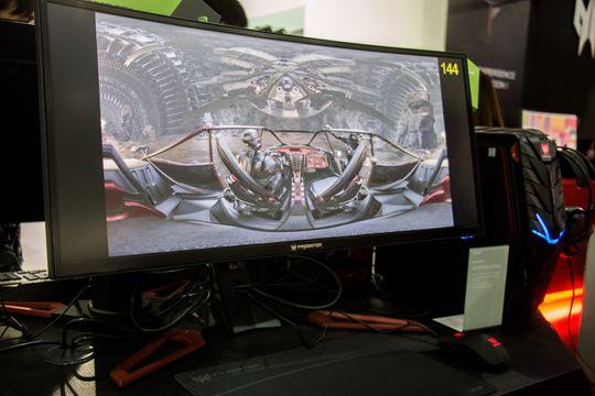 Acer Predator Z301Cs panel kan overklokkes opp til 200 Hz.