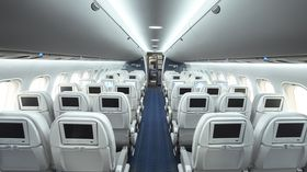 Innvendig kabinbredde er faktisk større enn i A320.