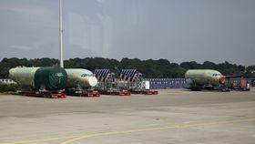 A320-komponenter som er produsert i Hamburg venter på å bli skipet til den nye fabrikken i Alabama.
