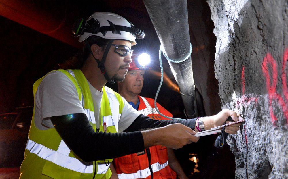 For første gang i Norge testes bruk av seismikk i selve tunneldrivingen. Jozset Hecht Mendez fra Amberg Technologies  var sammen med kontrollingeniør Hallvor Brekke fra Statens vegvesen, for å vise frem metoden i Ryfast-prosjektet.
