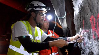 Sparer masse tid: Her tester de seismikk i tunneldriving for første gang i Norge
