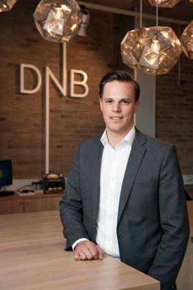 DNBs informasjonsdirektør, Even Westerveld, benekter at det foregår sosialdumping i forbindelse med utviklingen av Vipps.
