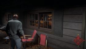 Som Jason må du spore opp ofrene, som for eksempel kan gjemme seg i hytter.