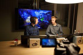 Julian «DogSledder» Nash (til høyre) har kommentert League of Legends sammen med Eskil «Fearsome» Uggen.