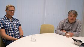Skal bruke Watson: Professor dr. med. i genetikk ved Oslo Universitetssykehus, Dag Undlien (t.h.) og avdelingssjef ved Simula Research Labs, Andreas Petlund ser stort potensial for Watson i Norge.