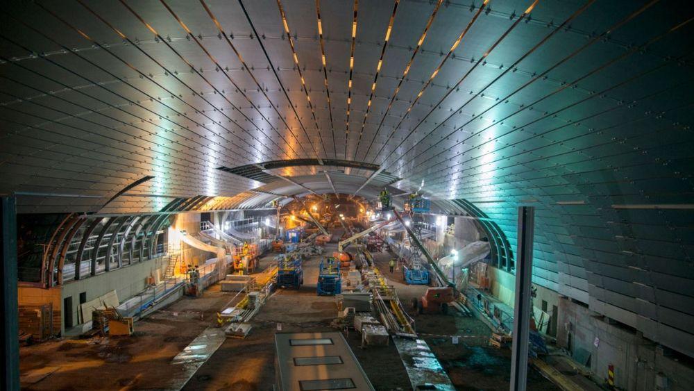 I løpet av juli skal hele 1000 tonn stål være på plass inne i stasjonshallen på Holmestrand