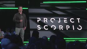 Xbox-sjef Phil Spencer under fjorårets Project Scorpio-avduking.