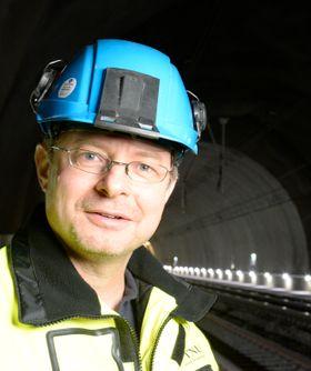 Ingeniørgeolog Karl Gunnar Holter avluttet nylig en doktograd om vantetting av vei- og jernbanetunneler.