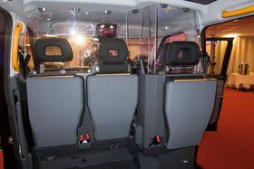Enorm: Det mangler ikke plass i kupeen i den nye elektriske drosjen.
