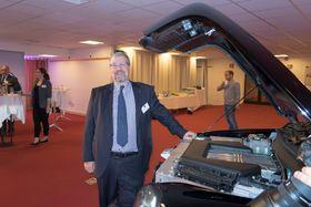 Vil selge drosjer til Norge: Sjefen i LTC, Peter Johansen mener Norge ved sin høye tetthet av elbiler vil ønske seg eldrosjer også. Selv om de har bensindrevet rekkeviddeforlenger.