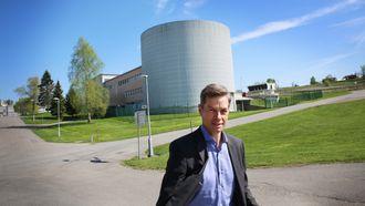 Ifes administrerende direktør Nils Morten Huseby, her fotografert foran Kjellerreaktoren.