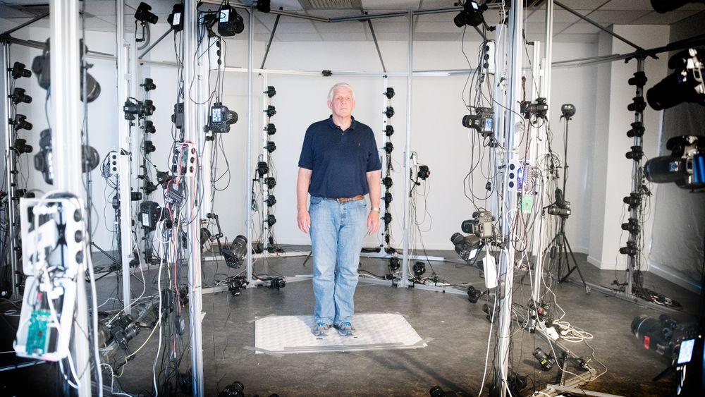 TU-reporter Odd Richard Valmot blir scannet av 115 kameraer før han digitaliseres.