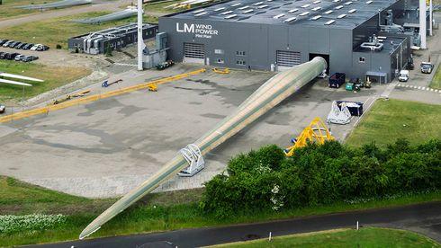 Verdens lengste vindmølle-blad: På størrelse med kontrolltårnet på Gardermoen