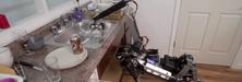 Her tar roboten oppvasken