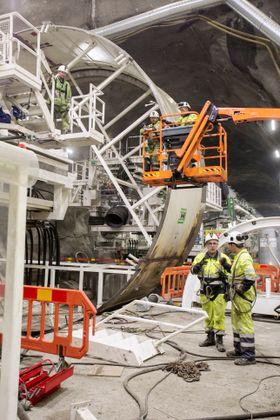 Bakriggen av den første tunnelboremaskinen som skal drive nordover mot Oslo er under montering.