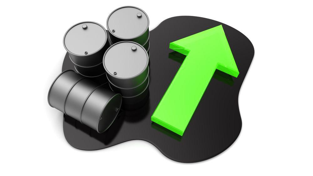 Oljebransjen tror på prisoppgang neste år.