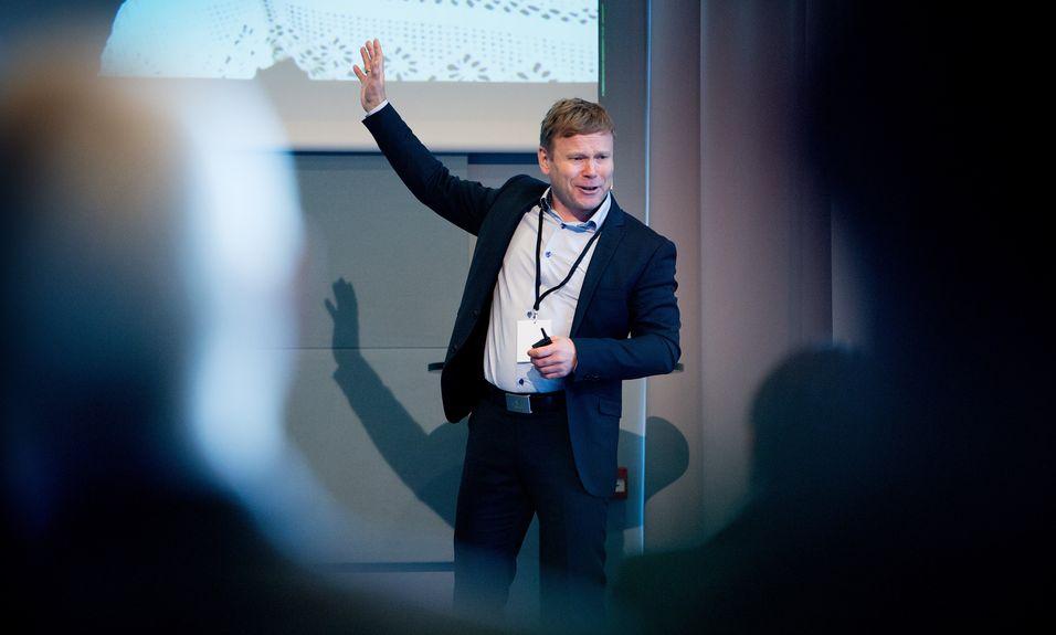 Prosjekt-direktør Tore Kristoffersen i Lyse fiberinvest har på vegne av Altibox-sfæren skrevet et brev til myndighetene der han polemiserer mot Broadnets høringsuttalelse til Lysne-utvalgets rapport.