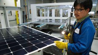 Ny verdensrekord: Så effektive har solcellepanel til hustak aldri vært før