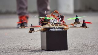 Det er faktisk ikke så vanskelig å bygge en drone helt fra bunnen av