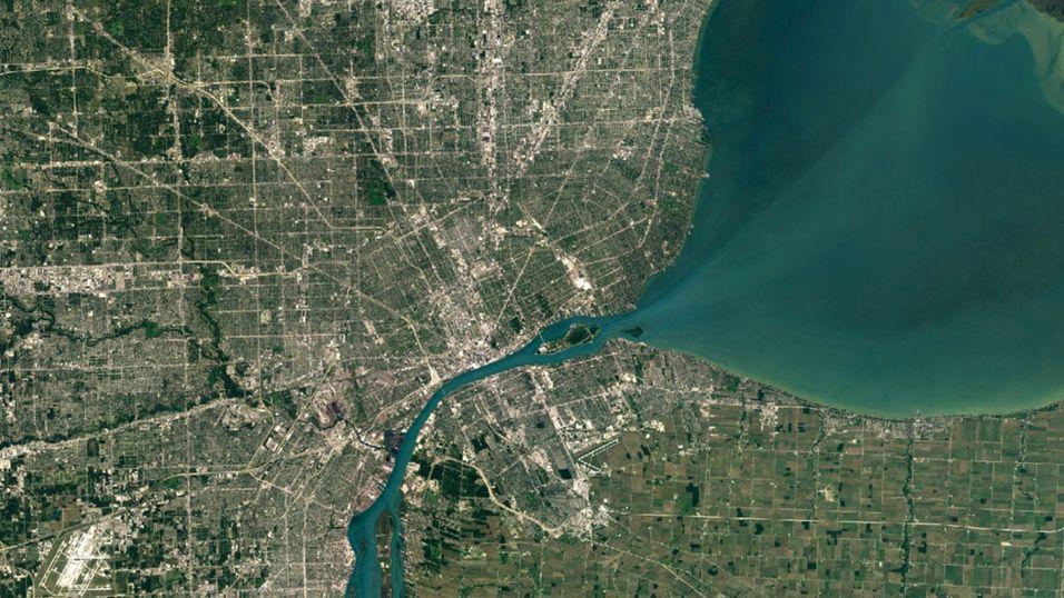 Google har oppgradert satellittbildene i Google Maps.