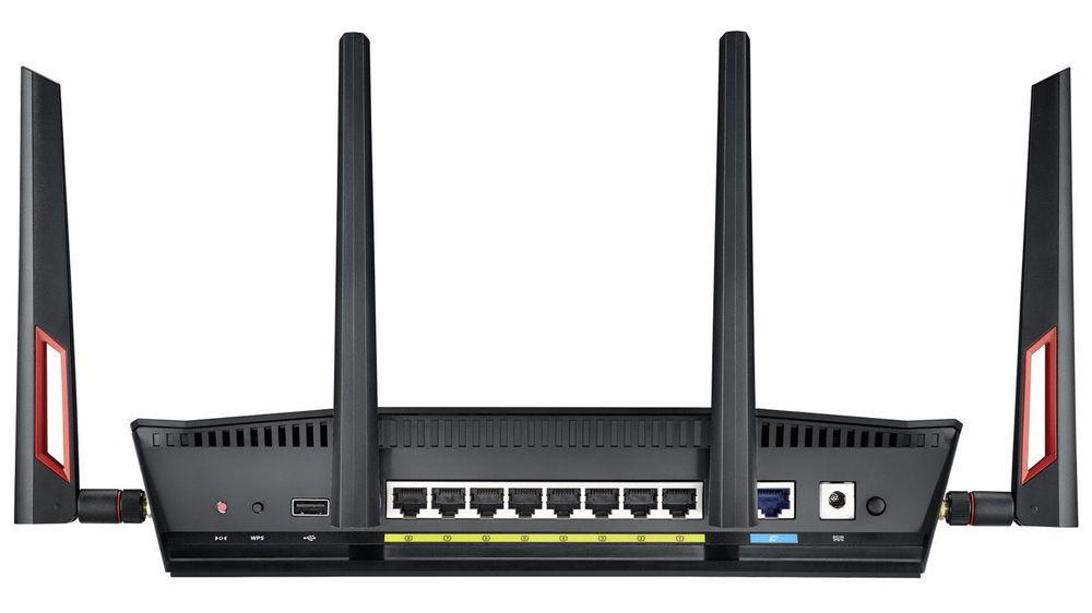 Det nye sertitifseringsprogrammet til Wi-Fi Alliance åpner for raskere, trådløs dataoverføring mellom enheter fra ulike leverandører. Ruten på bildet, en Asus RT-AC88U, er svært rask. Men i alle fall foreløpig er den ikke sertifisert i henhold til Wi-Fi Certified ac wave 2.