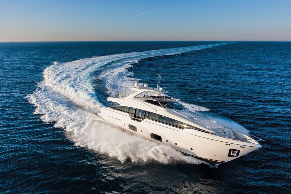 De fleste kjente båtprodusenter står på kundelista til Sleipner. Her en Ferretti 960 .