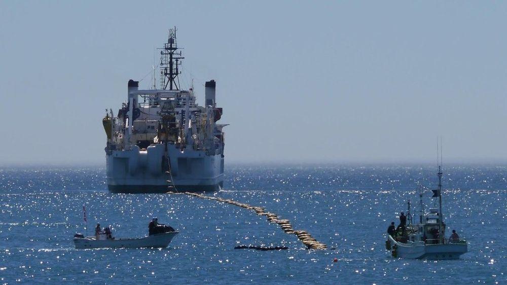 Her ankommer Faster-kabelen kysten av Minamiboso by i den japanske Chiba-provinsen, litt sør for Tokyo. Den er knyttet til den amerikanske delstaten Oregon. Nå skal Google være med på å legge en kabel med enda høyere kapasitet mellom USA og Asia.